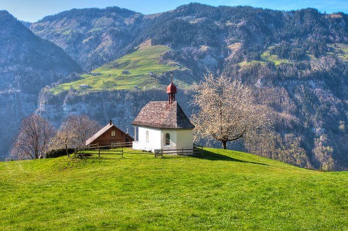 Engelberg valley chapel path
