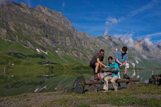 Four Lakes Trail